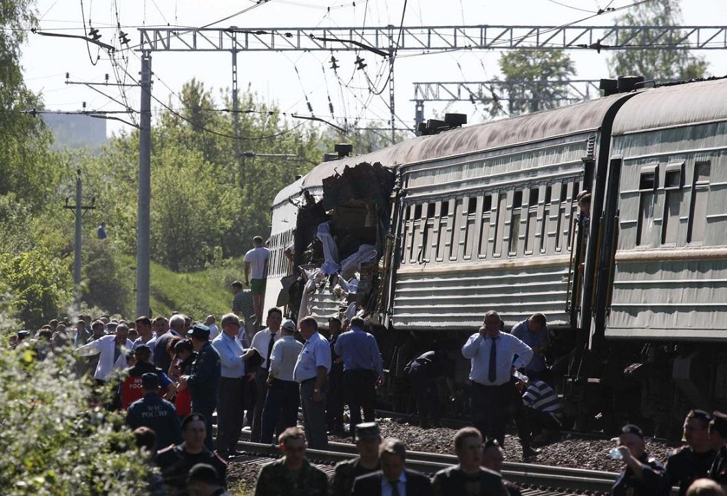 stolknovenie poezdov 10 Трагедия на железной дороге в Подмосковье