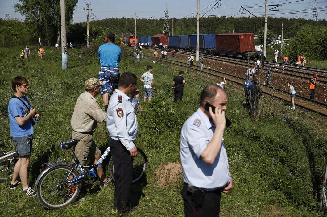 stolknovenie poezdov 11 Трагедия на железной дороге в Подмосковье