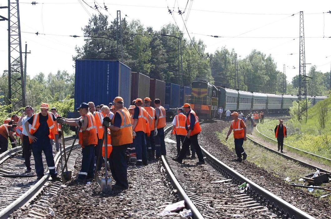 stolknovenie poezdov 8 Трагедия на железной дороге в Подмосковье