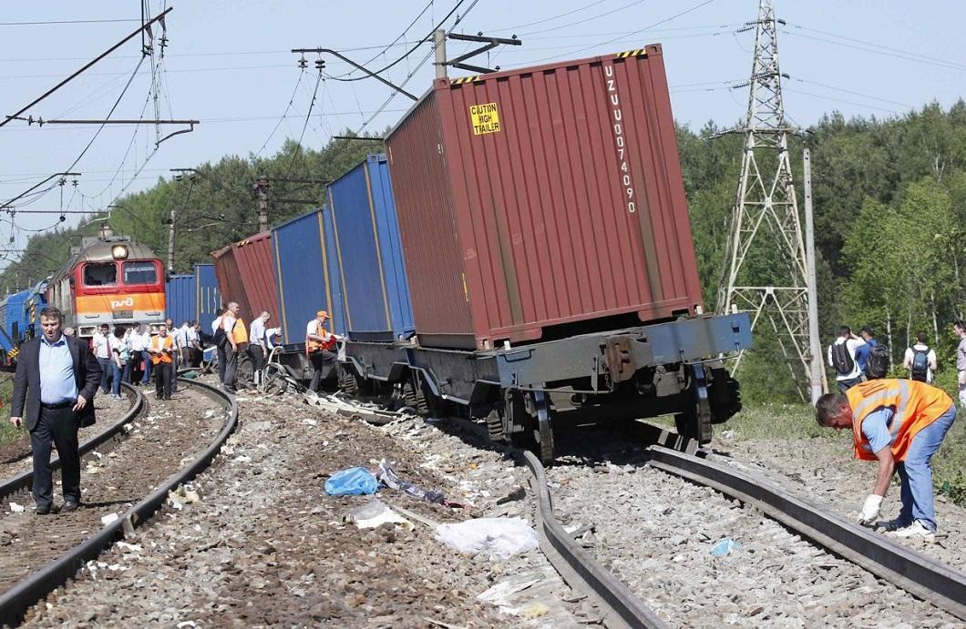 stolknovenie poezdov 9 Трагедия на железной дороге в Подмосковье