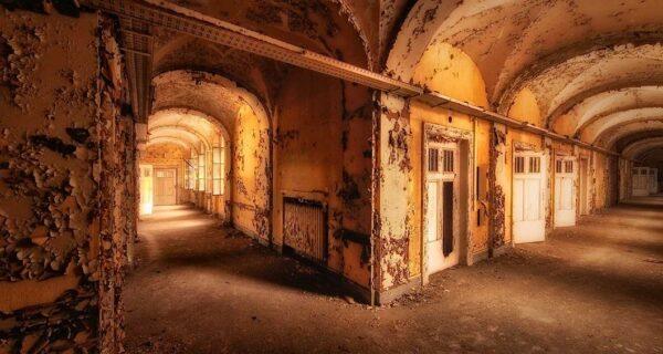 Заброшенные места в фотографиях Винсента Янсена