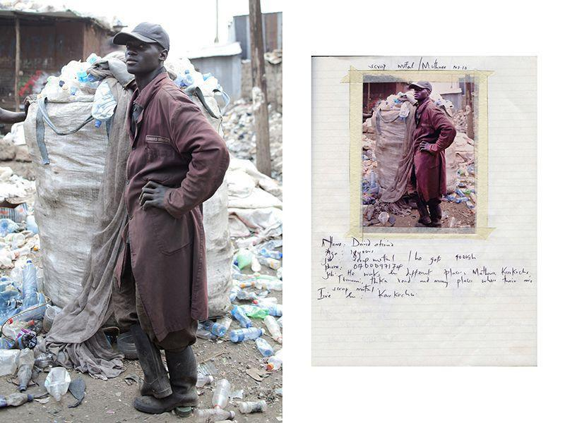 Дэвид Отейно, 18 лет, он зарабатывает 400 шиллингов, собирая пластиковые бутылки в Корогочо, Дандора, трущобы Матхаре.