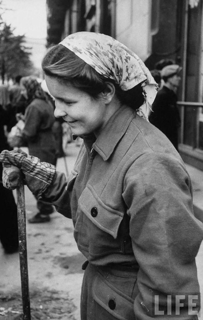 ByLarsen04 Москвички в 1956 году