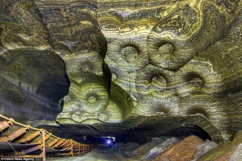 SaltMine06 Психоделическая соляная пещера под Екатеринбургом
