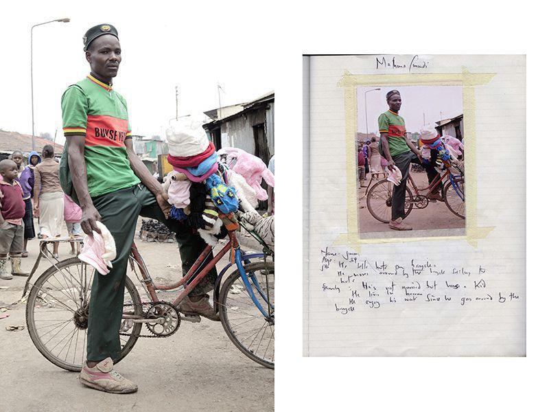 Джимми Кариуки, продающий шляпы с велосипеда в трущобах Матхаре.