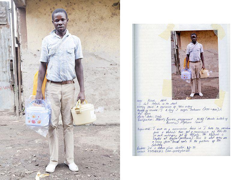 Питер Абок, 22 года. Студент, торгующий кастрюлями в трущобах Найроби. Он зарабатывает от 250 — 400 шиллингов, половина денег уходит индийскому оптовику.