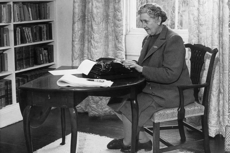 writers01 Как известные писатели заставляли себя работать?