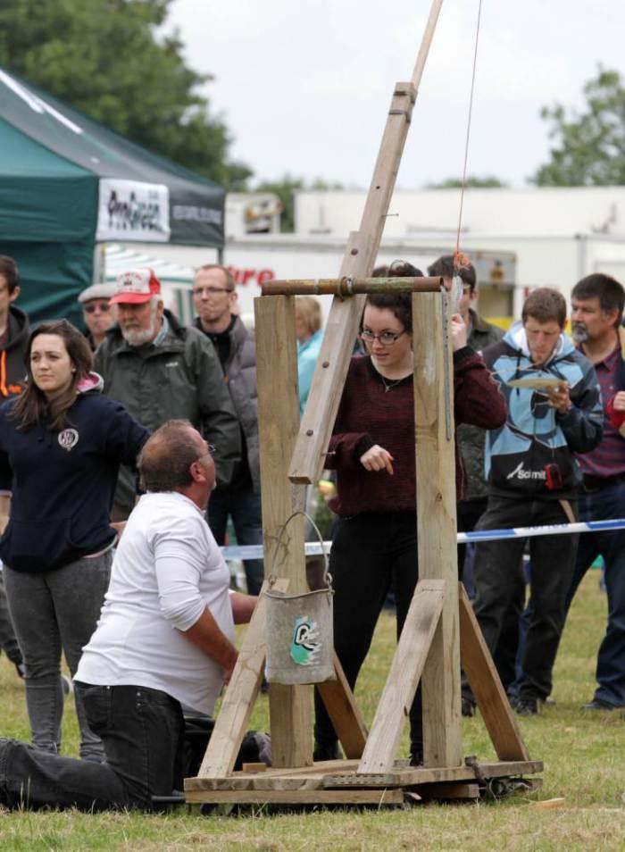 EggThrowing14 Британцы провели мировой чемпионат по метанию яиц