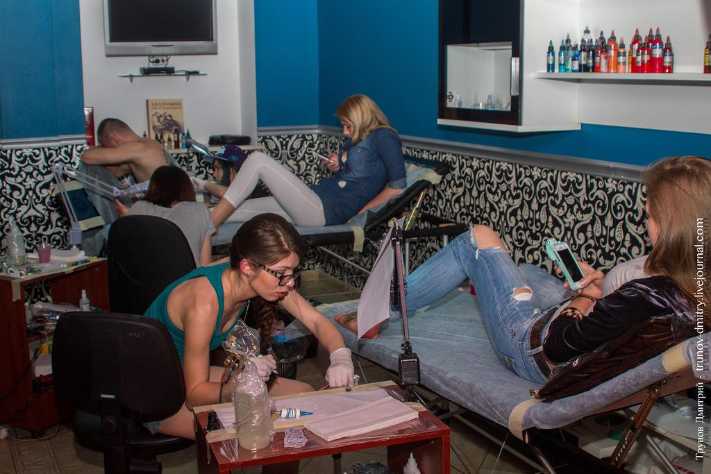 kdink20 Как делается татуировка — специально для девушек