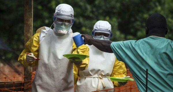 Вирус Эбола: мир лихорадит