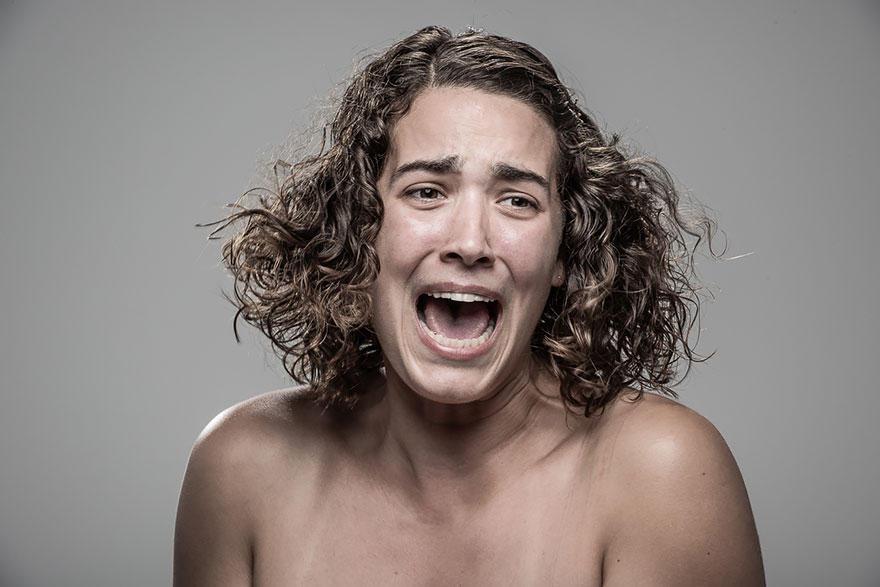 PatrickHall10 Как люди реагируют на удар электрошокером