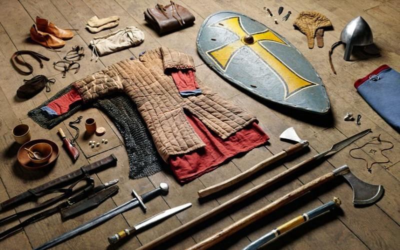 battlegear01 800x499 Полное боевое снаряжение британских солдат от 1066 до 2014 года