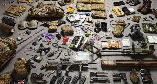 Как изменилось за тысячелетие: полное боевое снаряжение британских солдат от XI до XXIвека
