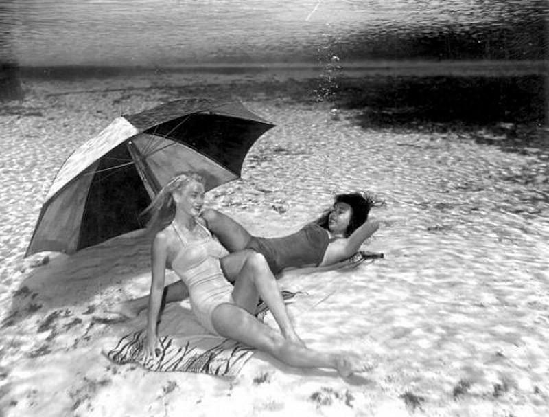 brucemozert05 Фантастические ретрофотографии со дна озера