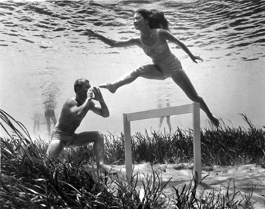 brucemozert08 Фантастические ретрофотографии со дна озера