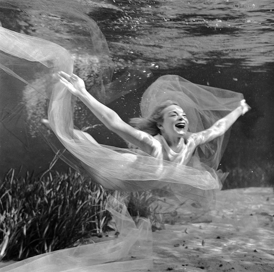 brucemozert13 Фантастические ретрофотографии со дна озера
