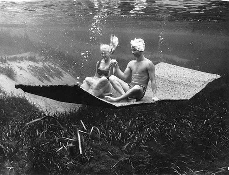 brucemozert15 Фантастические ретрофотографии со дна озера
