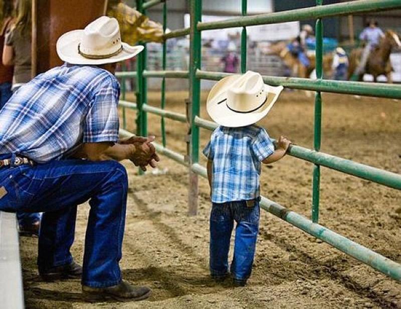 likefatherlikeson20 Сыновья на этих фотографиях — вылитые отцы. И наоборот