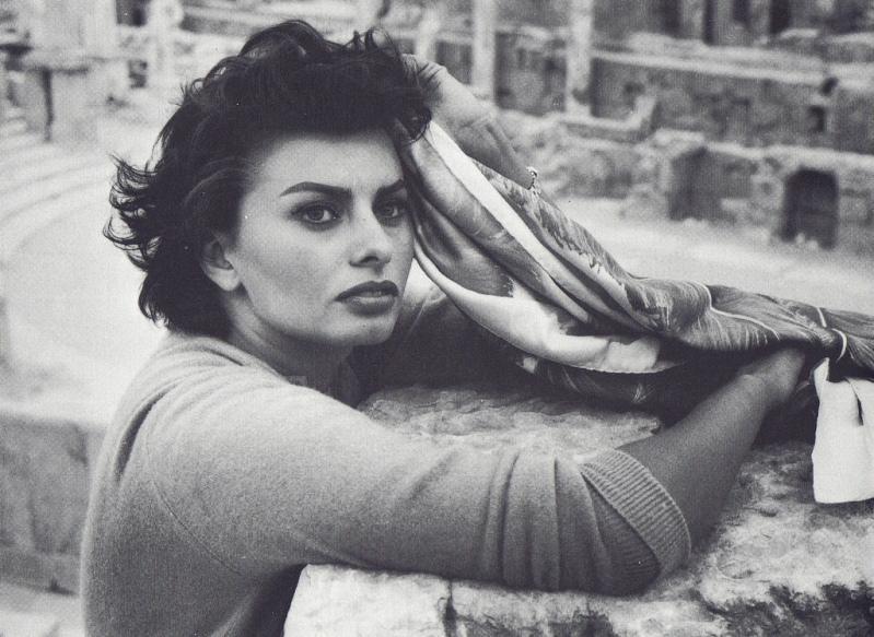 027 Самой красивой итальянке Софи Лорен 80 лет
