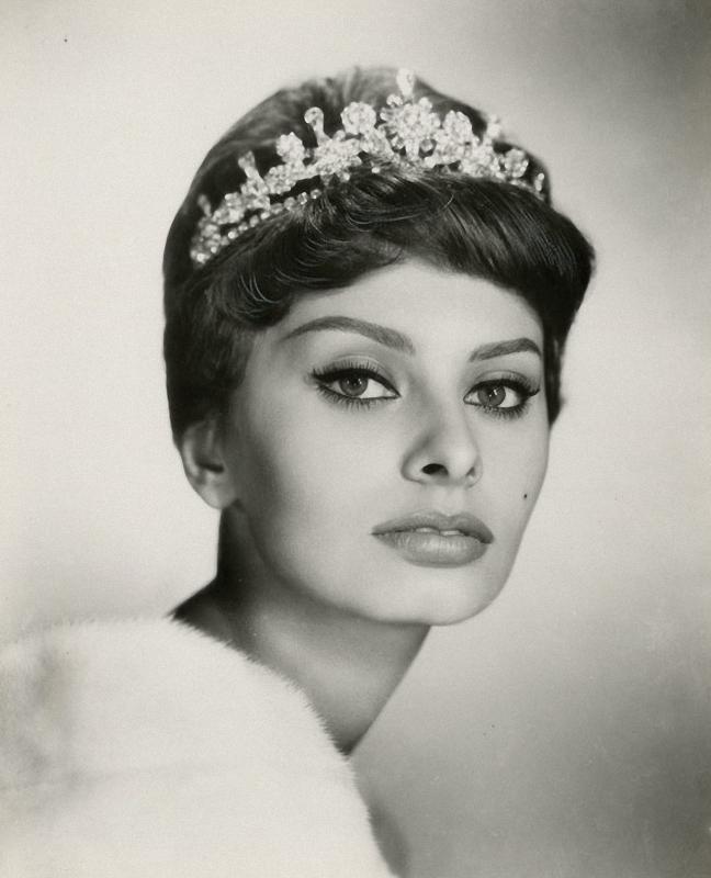0311 Самой красивой итальянке Софи Лорен 80 лет