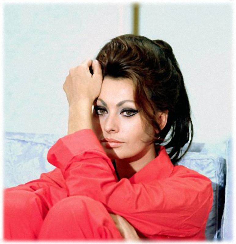 038 Самой красивой итальянке Софи Лорен 80 лет
