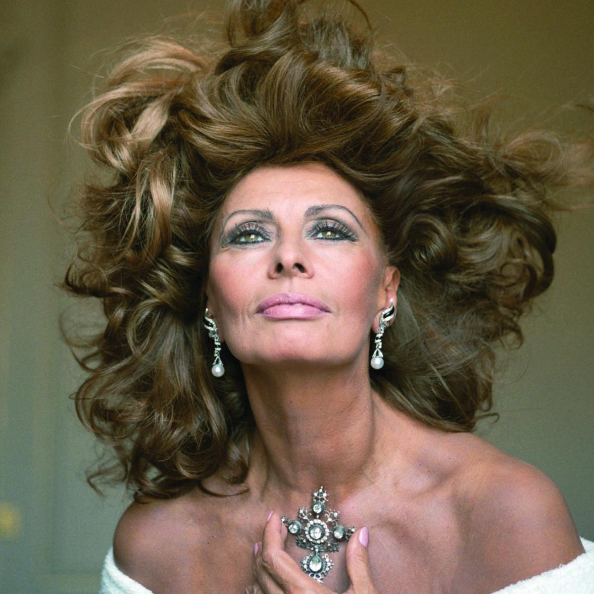 044 Самой красивой итальянке Софи Лорен 80 лет