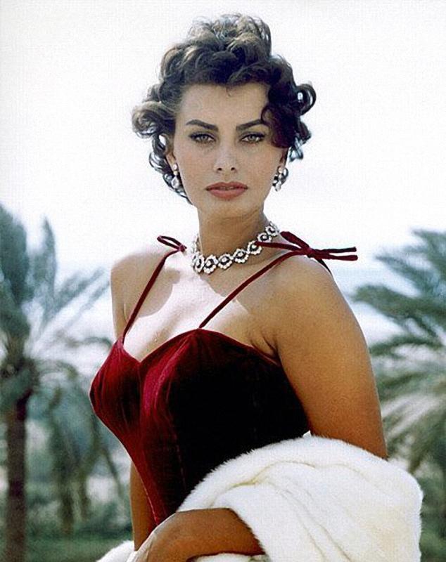 06 Самой красивой итальянке Софи Лорен 80 лет