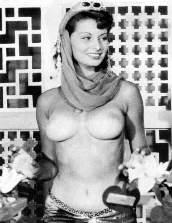 09 Самой красивой итальянке Софи Лорен 80 лет