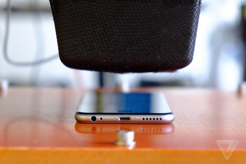 Appletortures05 Камера пыток для iPhone 6