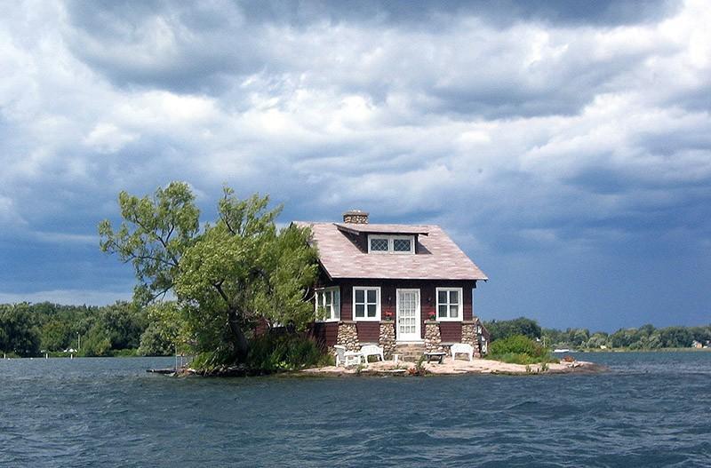 amazinghouses05 18 потрясающих и пугающих домов