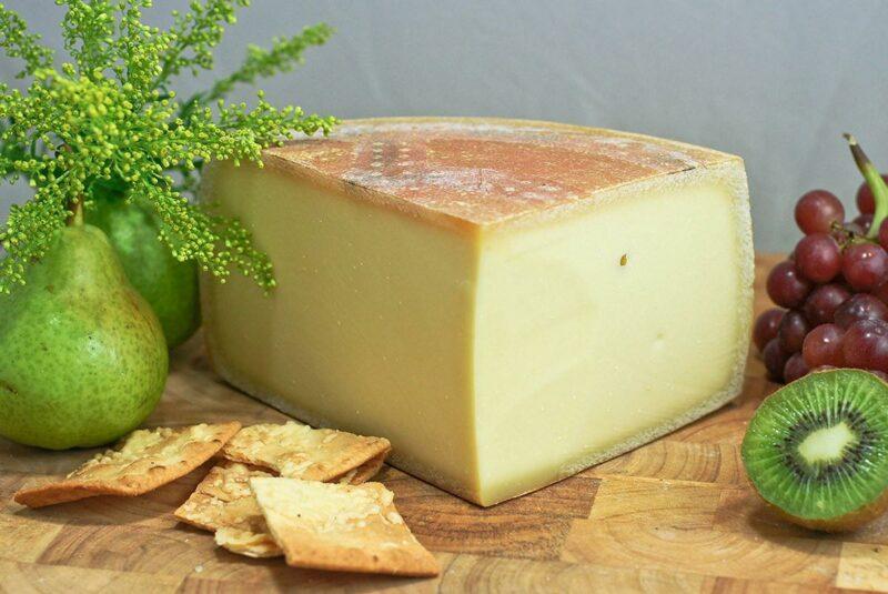 cheeses01 800x535 Топ 10 сыров, которые стоит попробовать