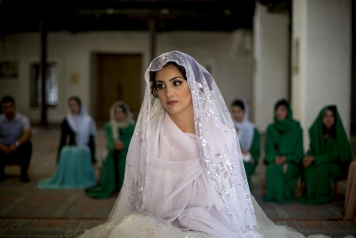 Что дарят родственники на свадьбу молодым