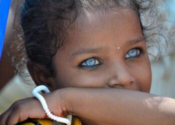 1. Карие глаза на самом деле голубые под коричневым пигментом. Существует даже лазерная процедура, которая позволяет превратить карие глаза в голубые навсегда.