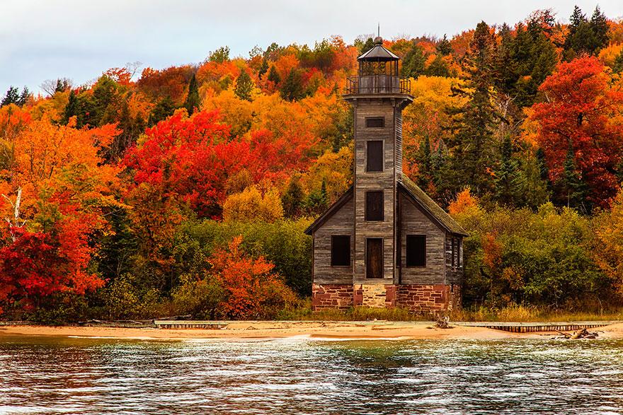 AutumnTransformation23 Чудесная дюжина удивительно красивых осенних превращений