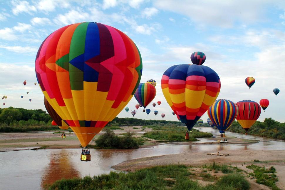 BalloonFestivals01 Самые зрелищные фестивали воздушных шаров