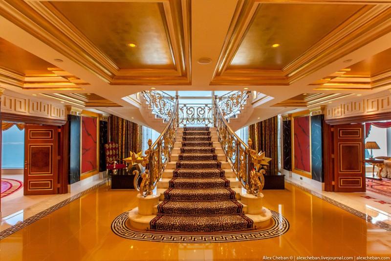 BurjAlArab05 800x533 ouro para xeques e oligarcas: o quarto mais caro no hotel Burj Al Arab sete estrelas