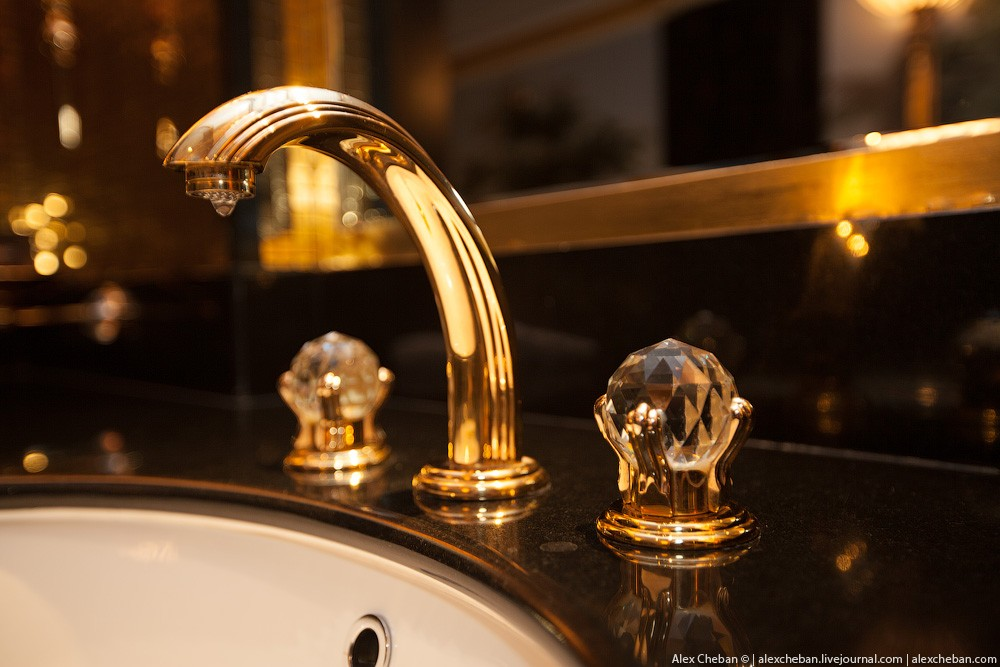 BurjAlArab16 ouro para xeques e oligarcas: o quarto mais caro no hotel Burj Al Arab sete estrelas