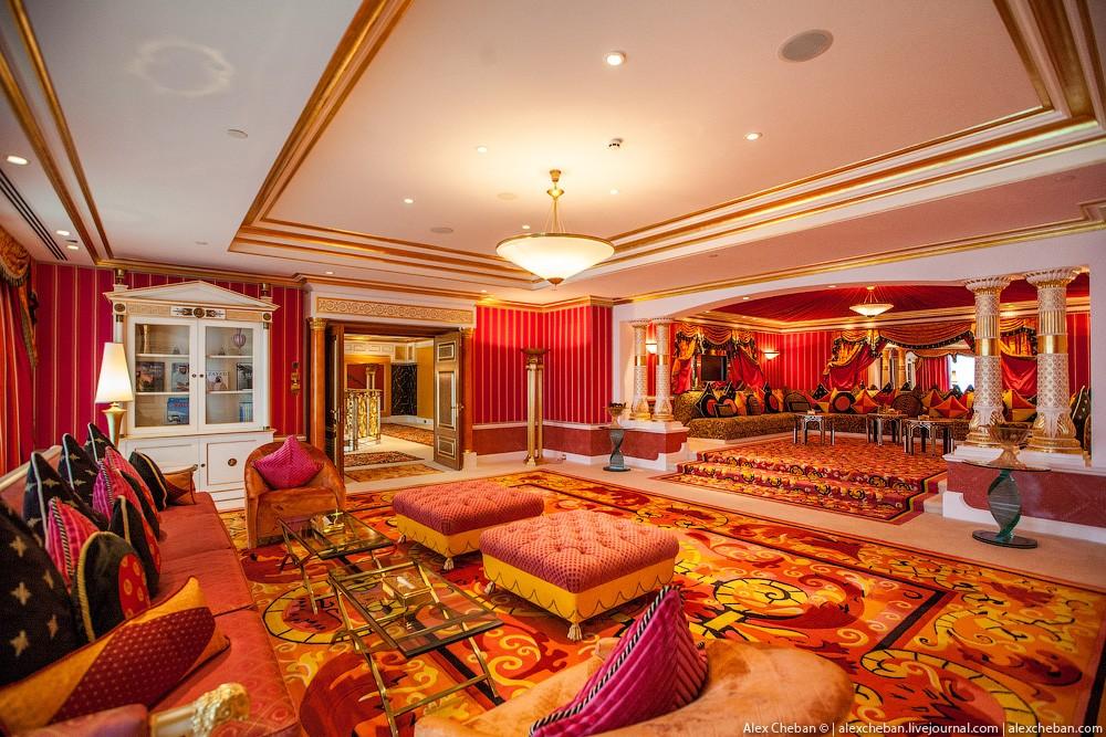 BurjAlArab19 ouro para xeques e oligarcas: o quarto mais caro no hotel Burj Al Arab sete estrelas