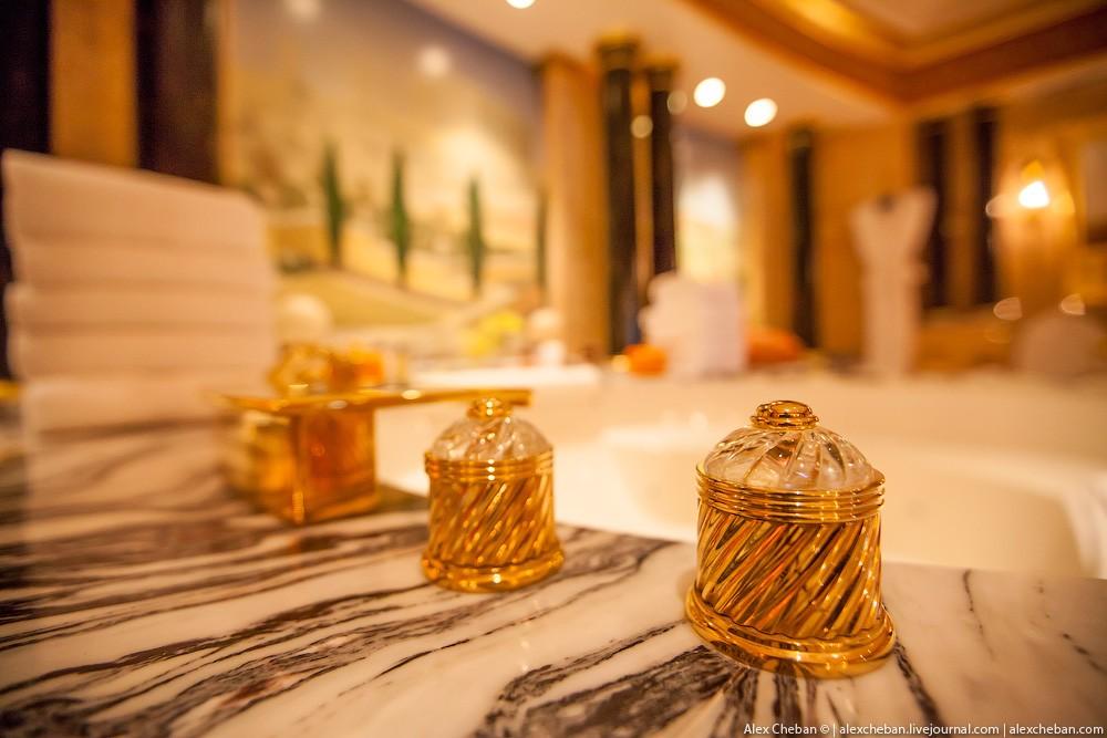 BurjAlArab28 ouro para xeques e oligarcas: o quarto mais caro no hotel Burj Al Arab sete estrelas
