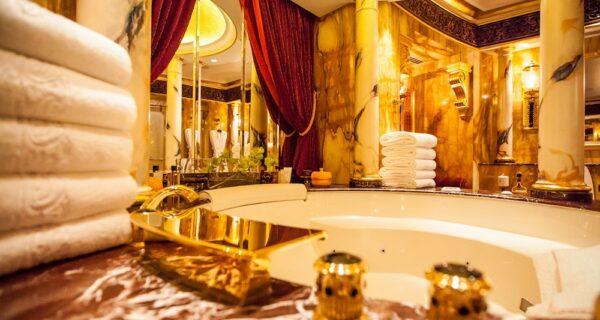 Золото для шейхов и олигархов: самый дорогой номер в семизвездочном отеле Burj AlArab
