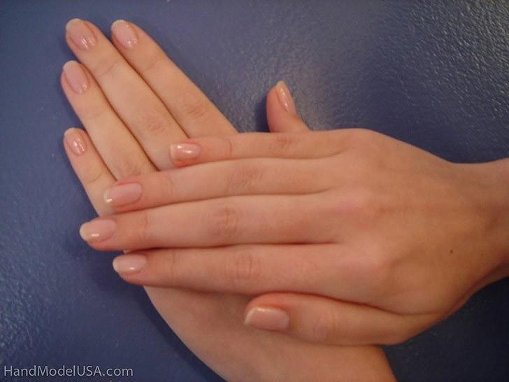 Девушка модель руки работа записи с веб моделей