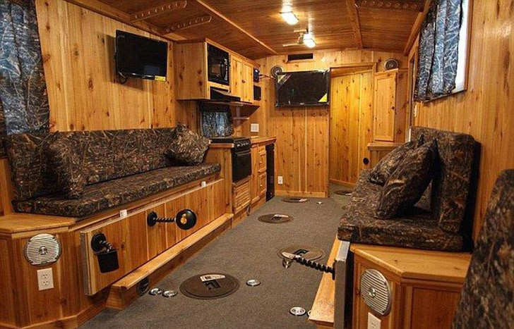 Mobilehome03 Мобильный дом для зимней рыбалки на льду
