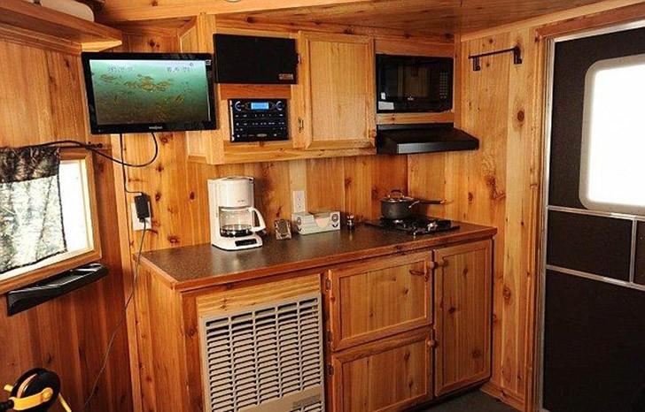 Mobilehome04 Мобильный дом для зимней рыбалки на льду