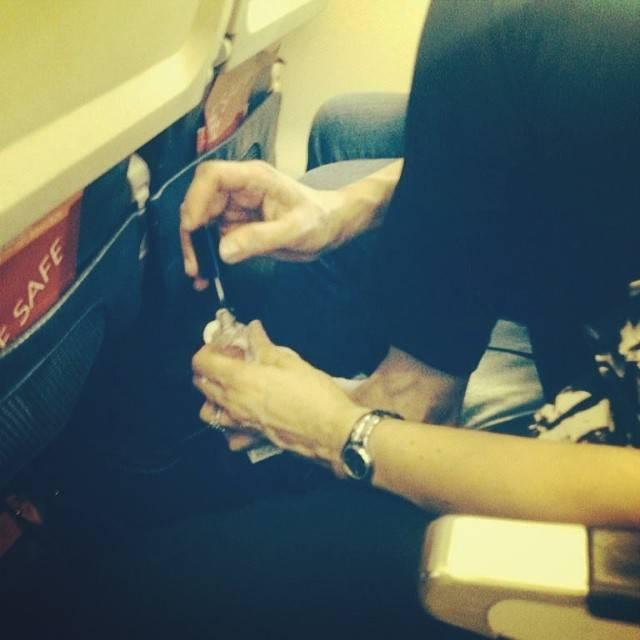 Молодых стюардесса трахнулась в самолете лохматые