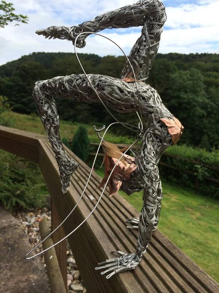 RobinWhite06 Удивительные скульптуры из стальной проволоки
