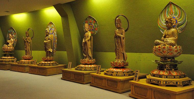 Statuesinside11 Статуи изнутри
