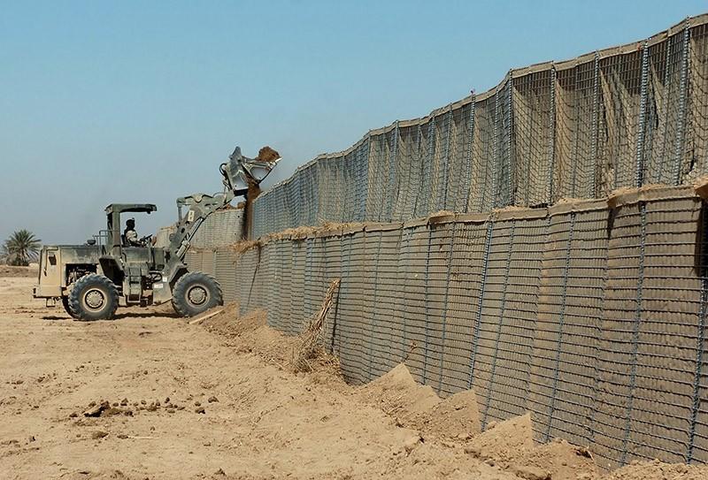 borderwalls08 10 мрачных пограничных стен, разделяющих мир
