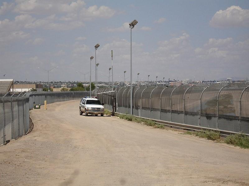 borderwalls18 10 мрачных пограничных стен, разделяющих мир