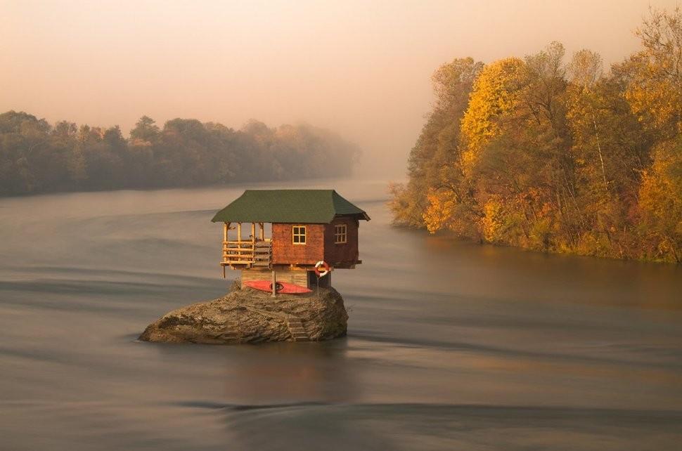 lonelyhouses07 Потрясающие дома, построенные вдали от цивилизации