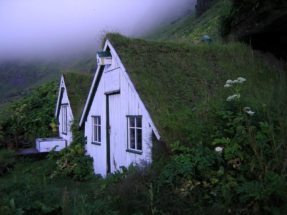 lonelyhouses23 Потрясающие дома, построенные вдали от цивилизации
